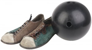 Brown_and_green_bowling_sh