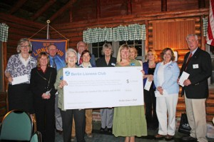 Berlin Lioness Club Holds Annual Donation Dinner