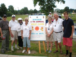 "Kiwanis Club ""Dog Team"" Sells 4th Of July Hot Dogs"