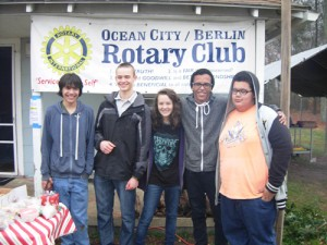 OC/Berlin Rotary Interact Club Sell Hot Chocolate And Baked Goods During Annual Christmas Tree Sale