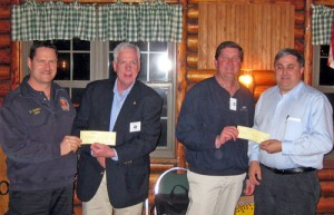 Berlin Lions Club Present Checks
