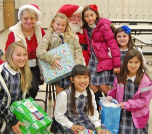 Worcester County Sherriff's Department And Santa Greet Worcester Prep Students