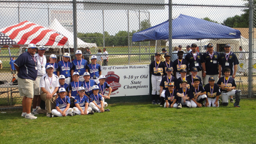 berlin_little_leaguers_with_medals
