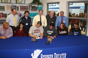 Decatur's Craven, Kee Sign Letters of Intent