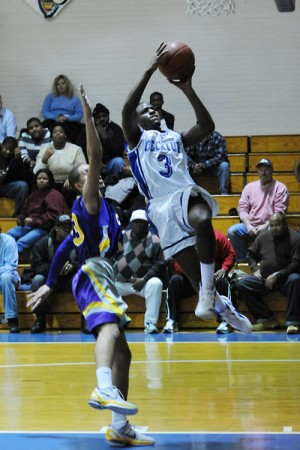 Seahawks Cruise Past Crabbers, 68-53