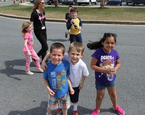 "Buckingham Elementary Holds ""Relay Recess"" To Raise Money For American Cancer Society"