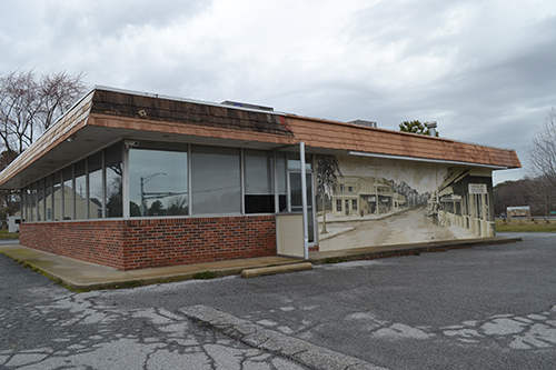 Formerly home to Boomer's Restaurant, the building at the corner of Route 113 and South Main Street will soon be home to a new restaurant called Crush and Crab. Photo by Charlene Sharpe