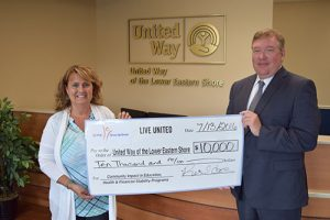 PNC Bank Grants $10,000 To United Way
